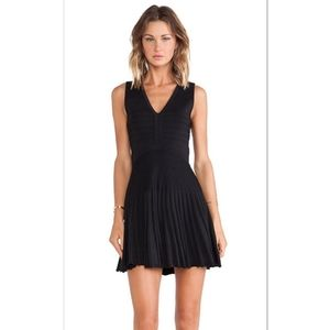 Diane Von Furstenberg Black Dress Fit Flare sz 10